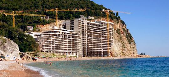 The abandoned hotel AS in Montenegro resembles the Titanic