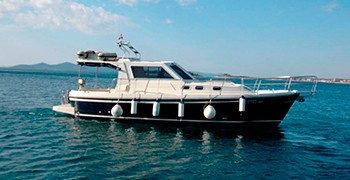 Photo Rent Adria 1002. Motor yacht. Rent in Montenegro