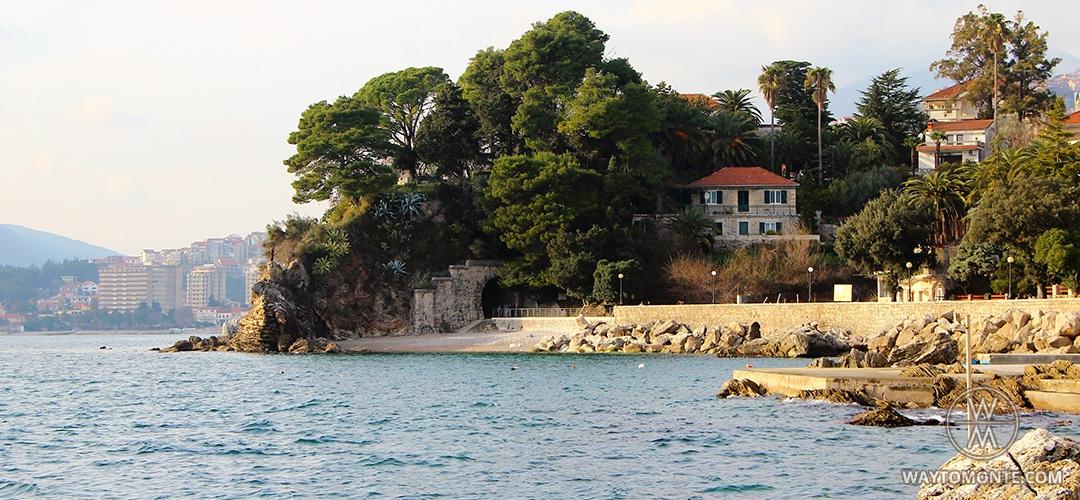 Plaže duž obalske linije Herceg Novog