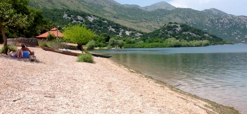 Murici beach on Lake Skadar.photo