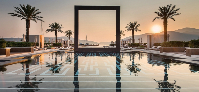 Yacht Club Porto Montenegro.photo