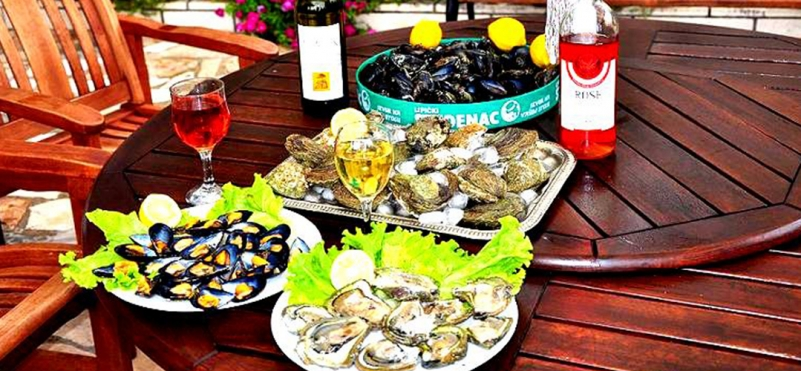Farm oysters and mussels in Montenegro.photo