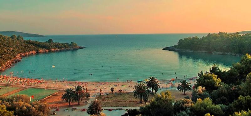 Plaža Plavi horizonti, Radovici, Lustica