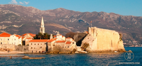 Sightseeing tour through the old town of Budva